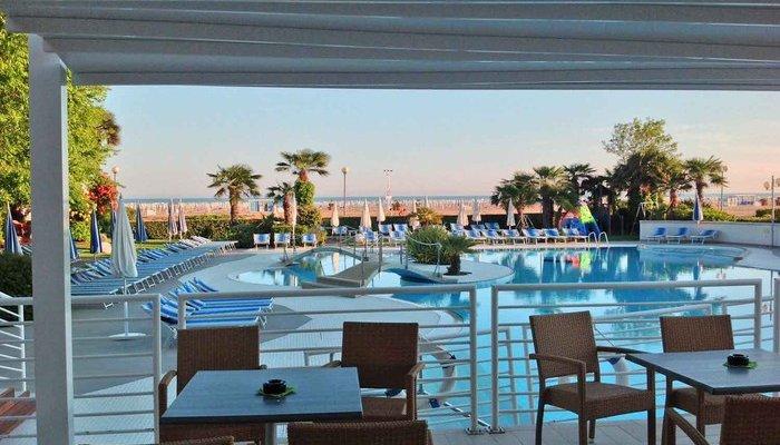 Majestic Beach Hotel & Wellness 28403