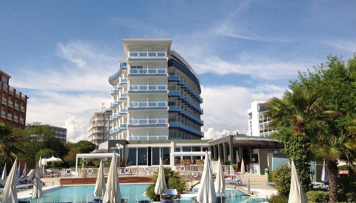 Majestic Beach Hotel & Wellness 28407