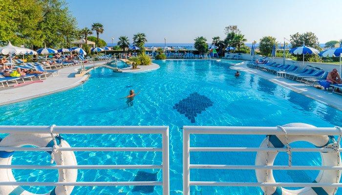 Majestic Beach Hotel & Wellness 28419