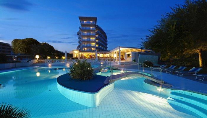 Majestic Beach Hotel & Wellness 2913