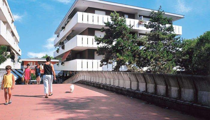 Appartamenti Passeggiata Lido dei Pini 9552
