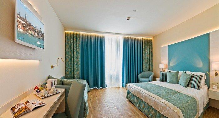Hotel Montecarlo 23095