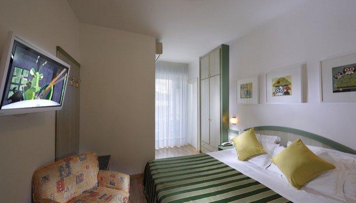 Hotel Montecarlo 23099