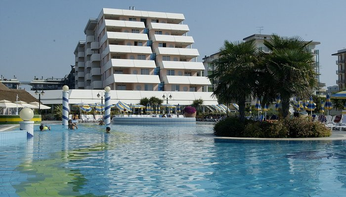 Holiday Aparthotel R.T.A. 32833