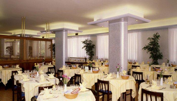 Hotel Ambassador 3224