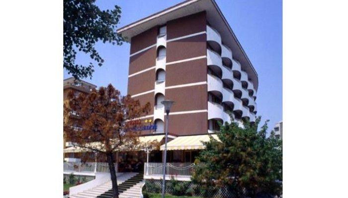 Hotel Ambassador 3805