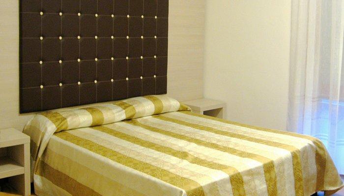 Hotel Ambassador 4537