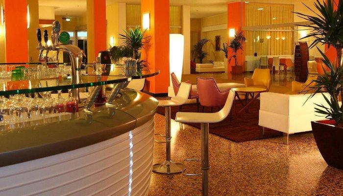 Hotel Astor 30304