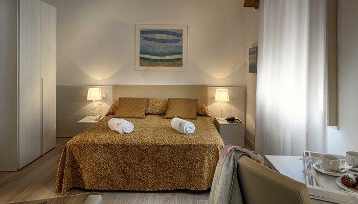 Hotel Astoria 32898