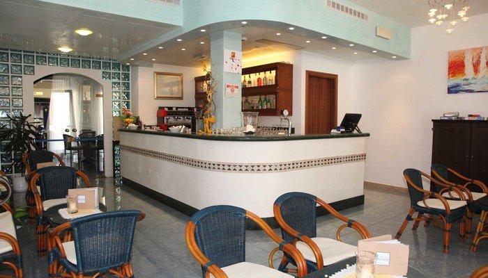 Hotel Bellevue 18140
