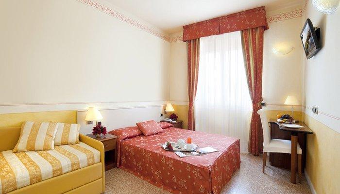 Hotel Karinzia 23601