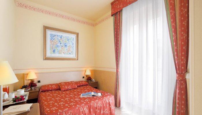 Hotel Karinzia 23629