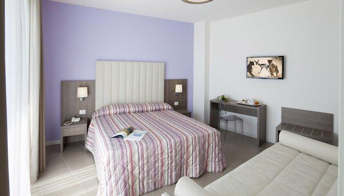 Hotel Karinzia 23636