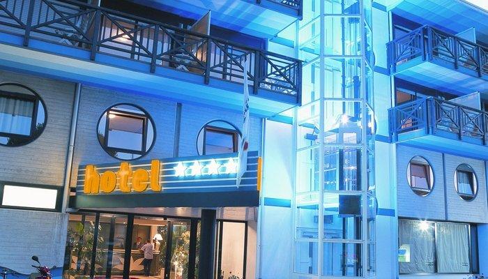 Hotel Marina Uno 4236