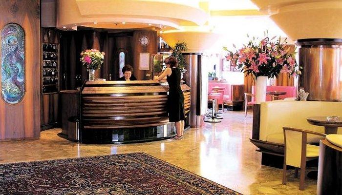 Hotel Kennedy 4200