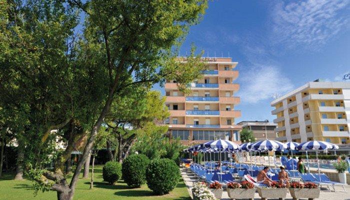 Hotel Palace 15930
