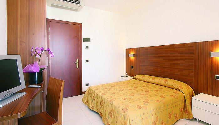 Hotel Parigi 7109