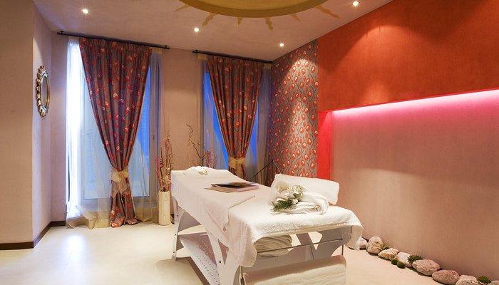 Hotel Parigi 7111