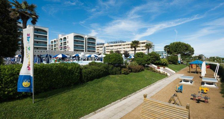 spiaggia esterna all`hotel 32681