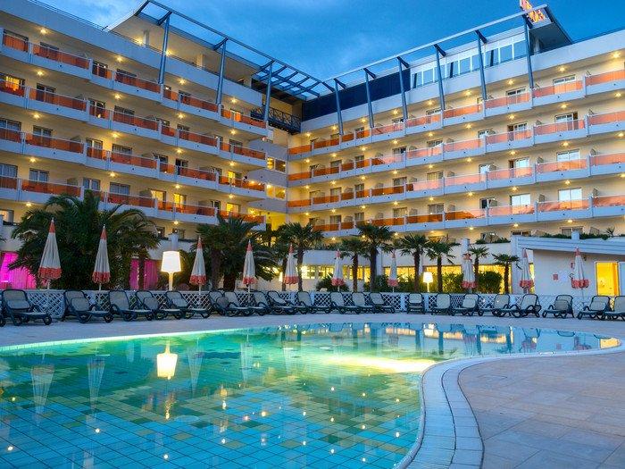 Bibione hotel con piscina prenota online il tuo hotel - Hotel bibione con piscina ...